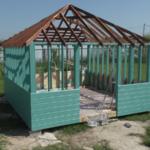Строительство беседки 4 на 4 с вальмовой крышей, видео 5